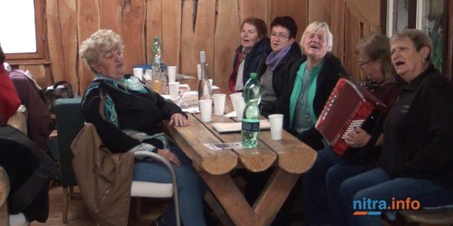 Nitrianski dôchodci sa stretli pod Tribečom